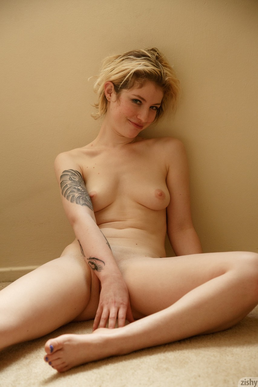 Emo girls in bed nude